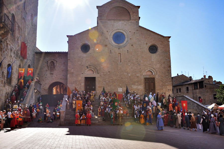 Medieval Week End in Tenuta Torciano Winery at San Gimignano