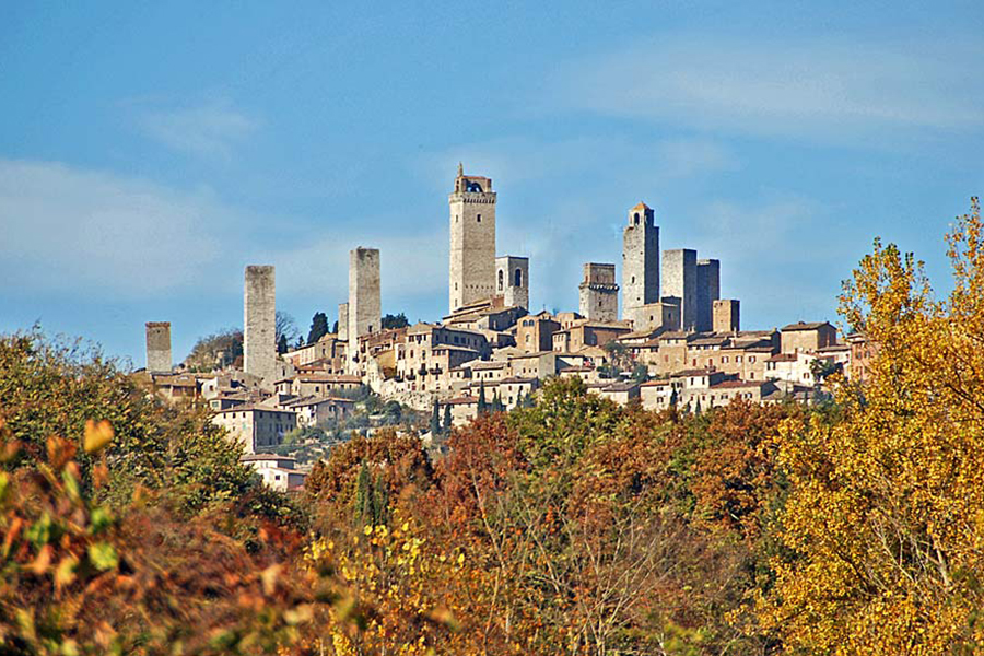 Beautiful review of Vernaccia di San Gimignano Poggioaicieli