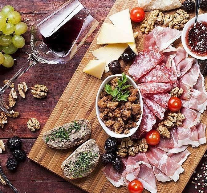 appetizer wine tasting