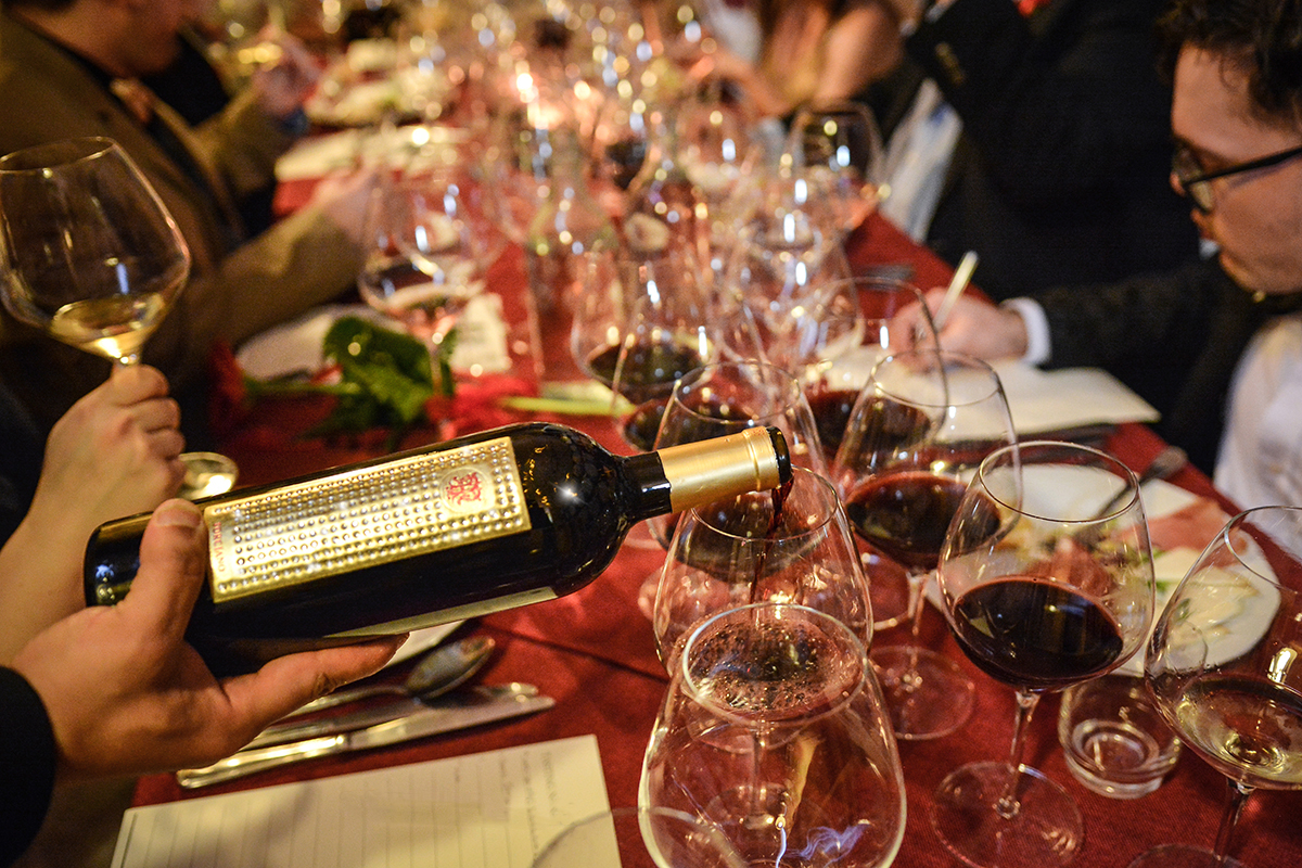 Wine: celebrate your Christmas holidays in the winery