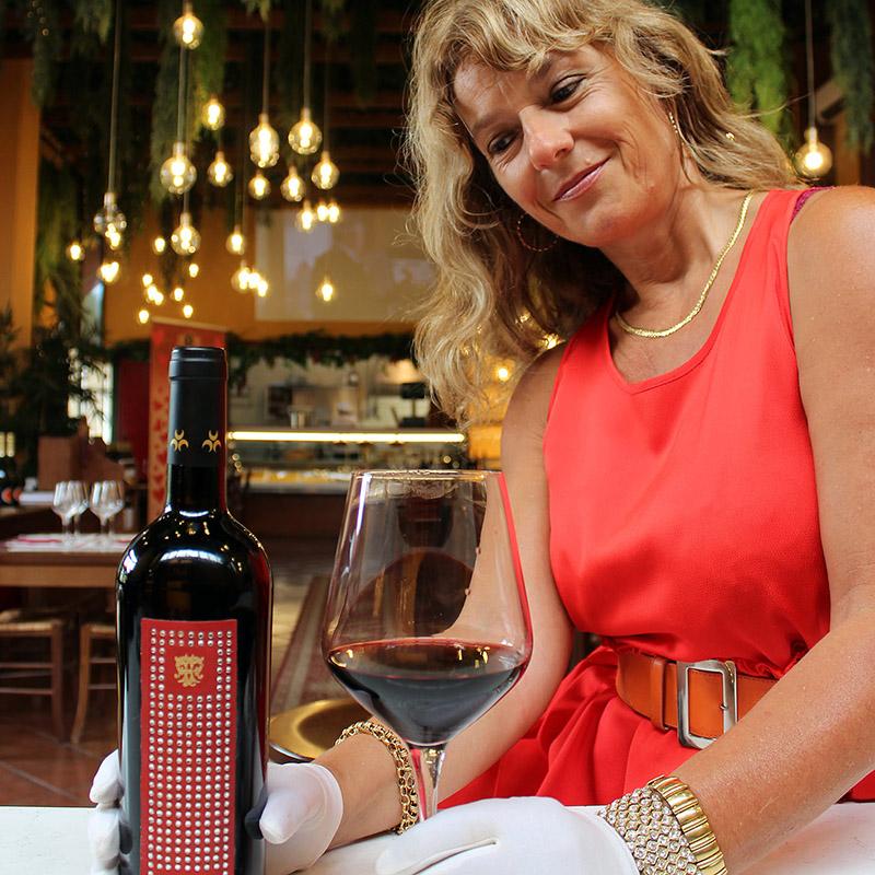 Leather and Swarovski for the Gioiello Wine Collection 2021